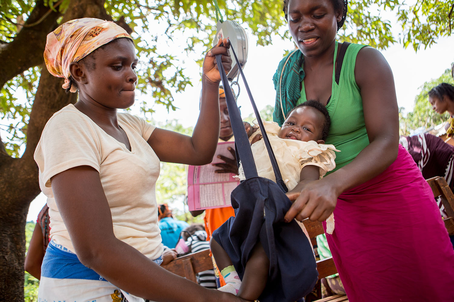 In Zambia, UNICEF works with its partners to improve the health and survival of children by increasing access to simple, cost-effective and high impact maternal, newborn, child and adolescent health services.